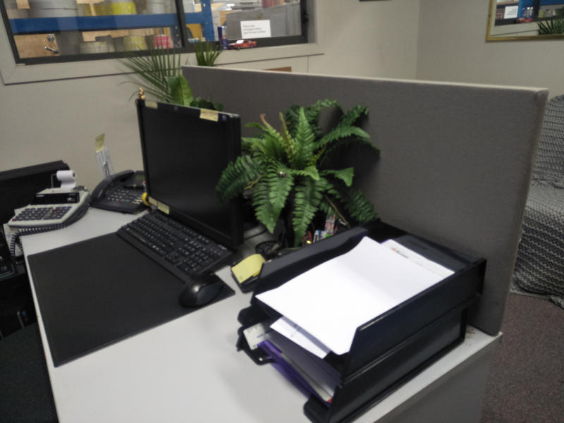 Office desks for hire or rental throughout Australia.