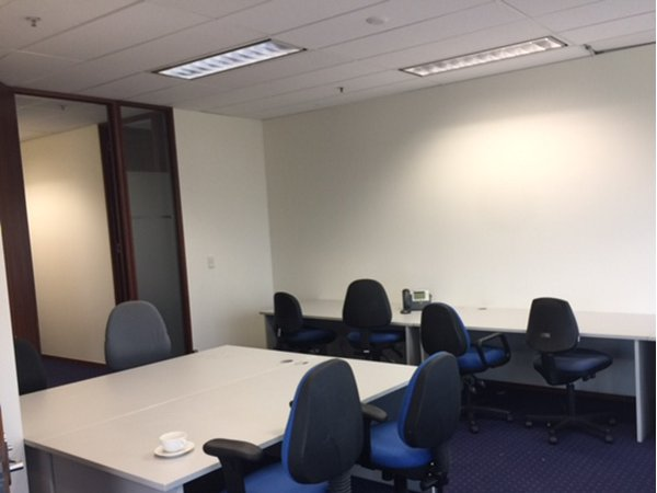 Servcorp Temporary Office Furniture Hire - tables, desks and chairs